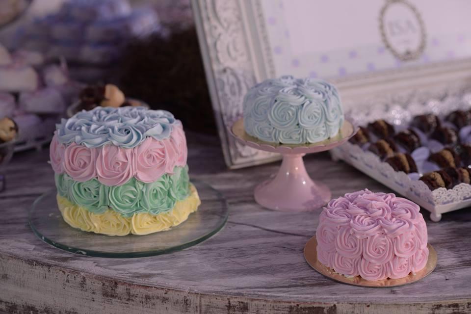 dani detalhes mesa dos doces