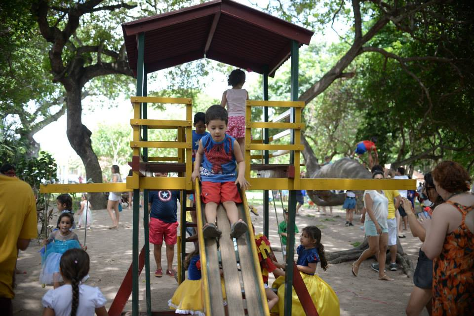 pre carnaval segundo dia brinquedos