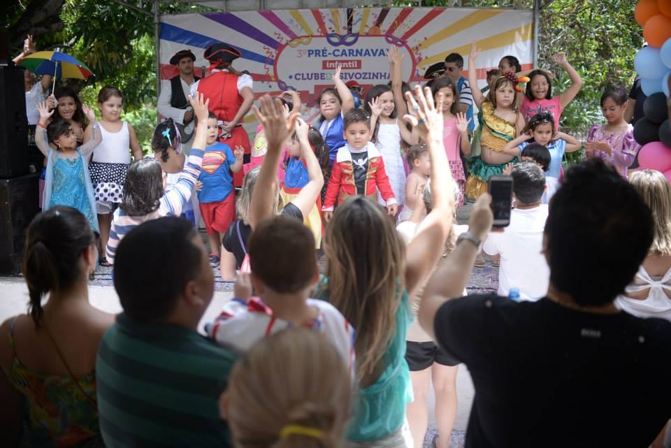 Agito e diversão no domingo de pré-carnaval da Sivozinha