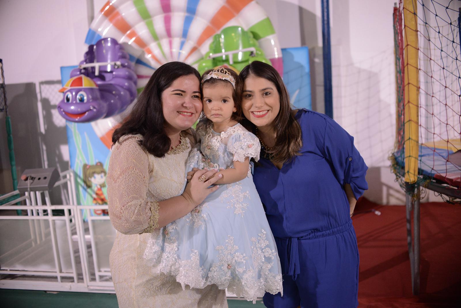 Liduina Figueiredo, Emanuela Figueiredo e Nathália Teixeira (1)