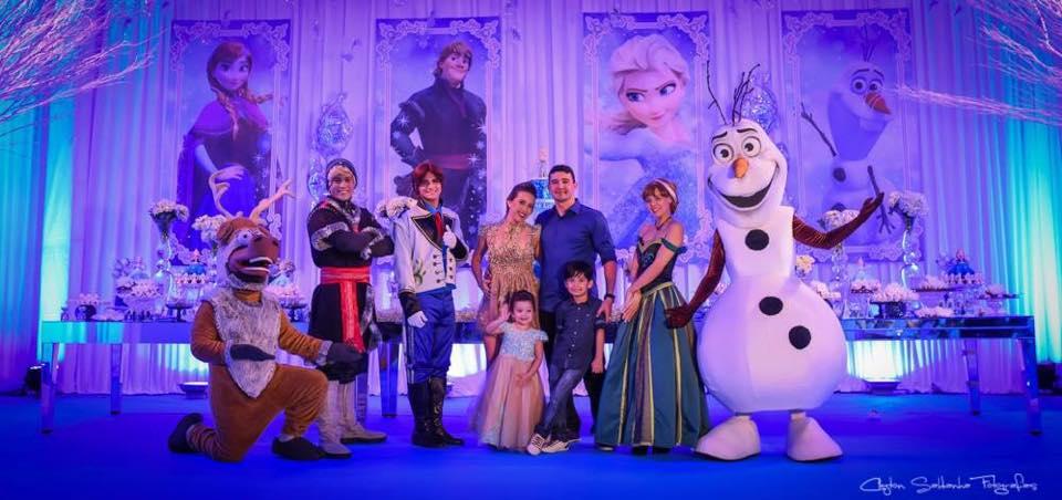 Aniversário Maria Liz e Lucas cenário principal com personagens