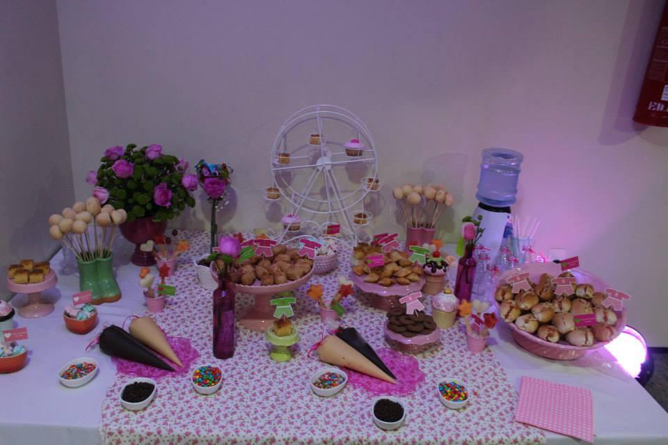 festa do pijama mesa comidas