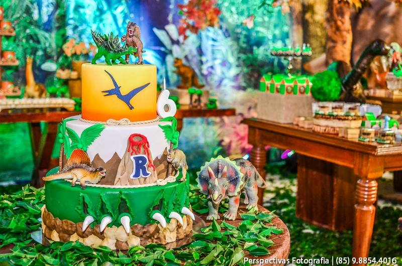festa irmaos bolo dinossauro