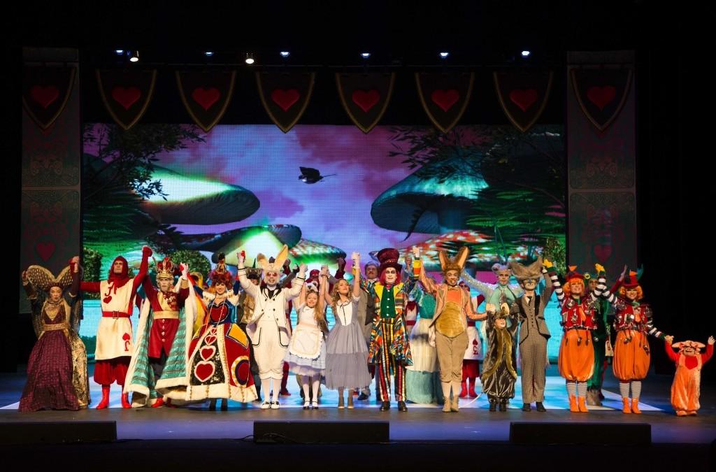 Musical Alice no País das Maravilhas em Fortaleza