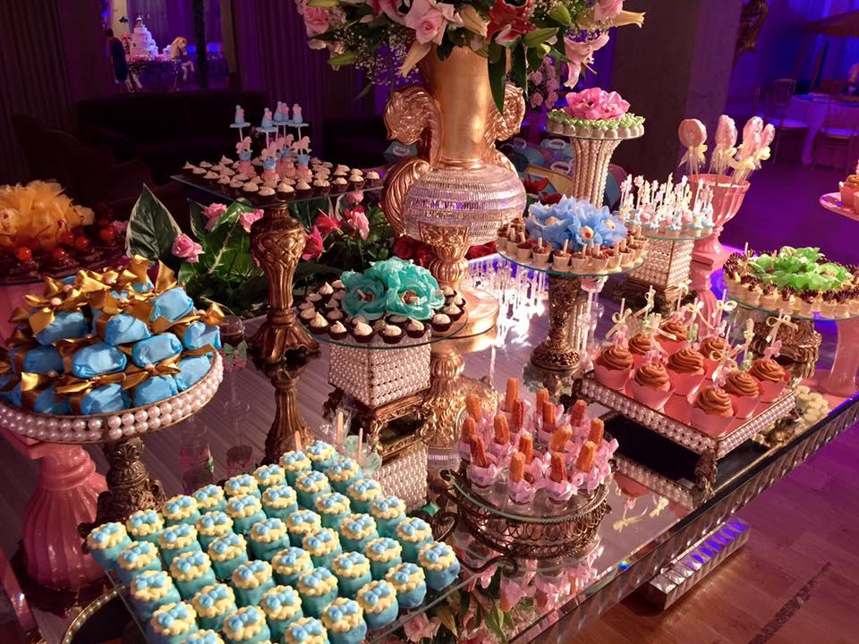 aniversário miryan carrossel mesa doces2