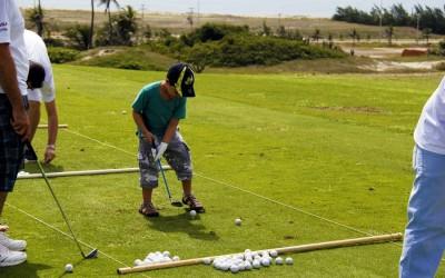 Golfe para crianças durante as férias no Aquiraz Riviera